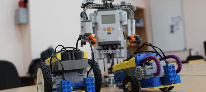 Робот Шустрик побывал на фестивале робототехники в СКФУ